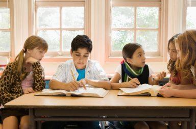 """Як старшокласників вчать думати і все аналізувати. Критичний вибір (інтерв'ю """"Українській правді"""")"""